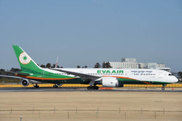 B747‐400さんが、成田国際空港で撮影したエバー航空 787-9の航空フォト(飛行機 写真・画像)