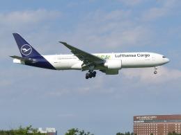 トタさんが、成田国際空港で撮影したルフトハンザ・カーゴ 777-Fの航空フォト(飛行機 写真・画像)