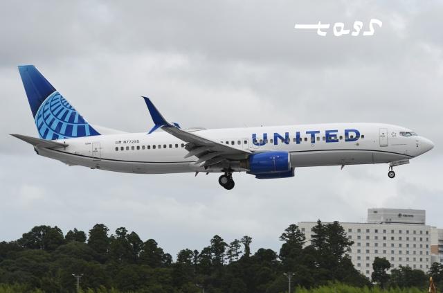 tassさんが、成田国際空港で撮影したユナイテッド航空 737-824の航空フォト(飛行機 写真・画像)
