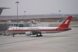磐城さんが、上海浦東国際空港で撮影した上海航空 757-26Dの航空フォト(飛行機 写真・画像)