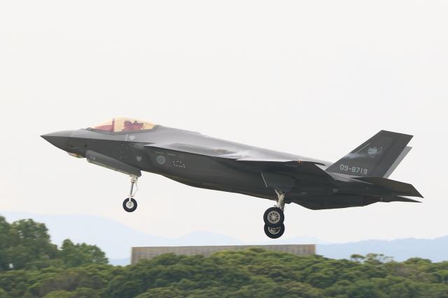 虎太郎19さんが、築城基地で撮影した航空自衛隊 F-35A Lightning IIの航空フォト(飛行機 写真・画像)