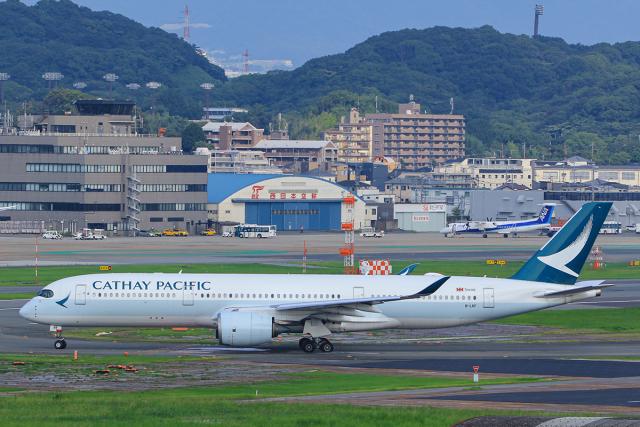 臨時特急7032Mさんが、福岡空港で撮影したキャセイパシフィック航空 A350-941の航空フォト(飛行機 写真・画像)