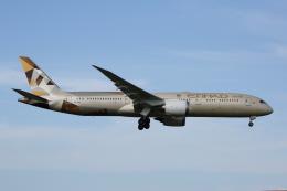 よっしぃさんが、成田国際空港で撮影したエティハド航空 787-9の航空フォト(飛行機 写真・画像)