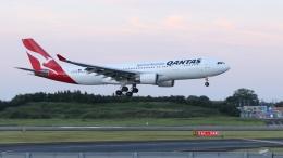 raichanさんが、成田国際空港で撮影したカンタス航空 A330-202の航空フォト(飛行機 写真・画像)