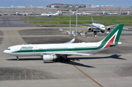 サンドバンクさんが、羽田空港で撮影したアリタリア航空 A330-202の航空フォト(飛行機 写真・画像)
