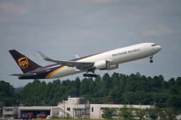 IMP.TIさんが、成田国際空港で撮影したUPS航空 767-34AF/ERの航空フォト(飛行機 写真・画像)