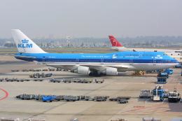 Hariboさんが、アムステルダム・スキポール国際空港で撮影したKLMオランダ航空 747-406Mの航空フォト(飛行機 写真・画像)