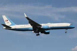 南十字星さんが、横田基地で撮影したアメリカ空軍 C-32A (757-2G4)の航空フォト(飛行機 写真・画像)
