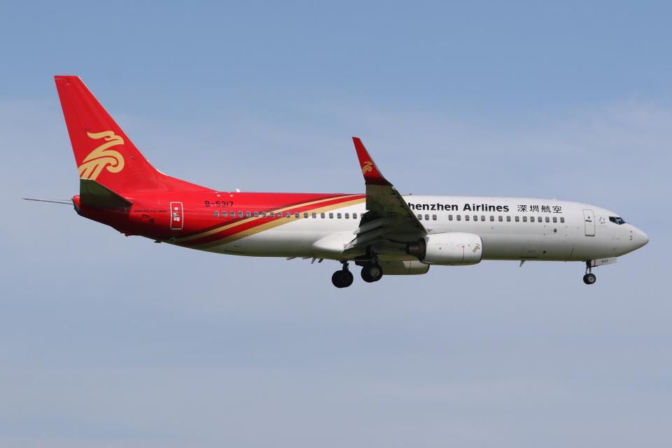 JETBIRDさんの深圳航空 Boeing 737-800 (B-5317) 航空フォト