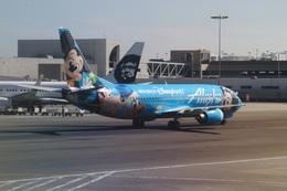 leoさんが、ロサンゼルス国際空港で撮影したアラスカ航空 737-4Q8の航空フォト(飛行機 写真・画像)