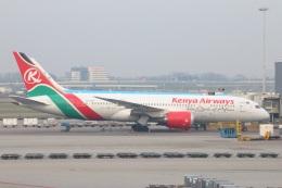 S.Hayashiさんが、アムステルダム・スキポール国際空港で撮影したケニア航空 787-8 Dreamlinerの航空フォト(飛行機 写真・画像)