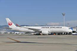 KKiSMさんが、伊丹空港で撮影した日本航空 A350-941の航空フォト(飛行機 写真・画像)