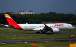 KAZKAZさんが、成田国際空港で撮影したイベリア航空 A350-941の航空フォト(飛行機 写真・画像)