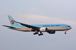 アルビレオさんが、成田国際空港で撮影した大韓航空 777-FB5の航空フォト(飛行機 写真・画像)