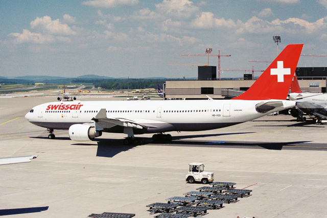 TRAVAIRさんが、チューリッヒ空港で撮影したスイス航空 A330-223の航空フォト(飛行機 写真・画像)
