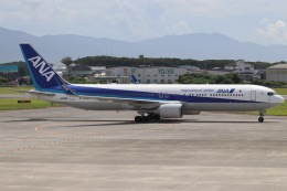 ヨッシューさんが、松山空港で撮影した全日空 767-381/ERの航空フォト(飛行機 写真・画像)