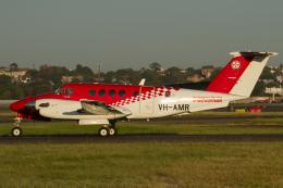 よっしぃさんが、シドニー国際空港で撮影したRoyal Flying Doctor Service B200C Super King Airの航空フォト(飛行機 写真・画像)