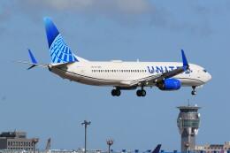 flyskyさんが、成田国際空港で撮影したユナイテッド航空 737-824の航空フォト(飛行機 写真・画像)