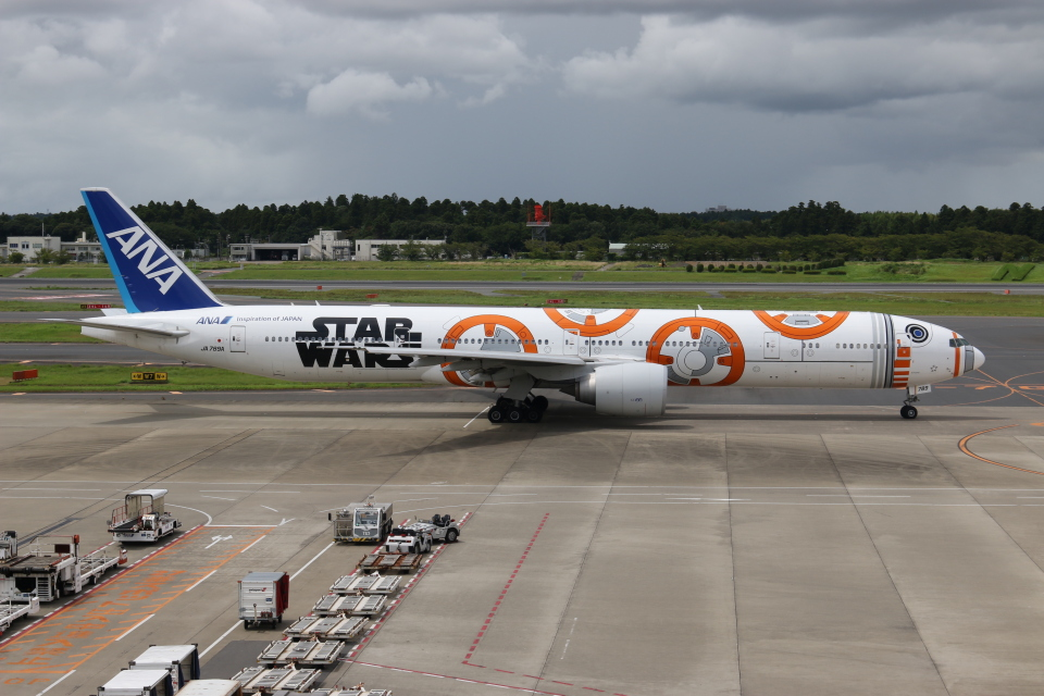 NIKEさんの全日空 Boeing 777-300 (JA789A) 航空フォト