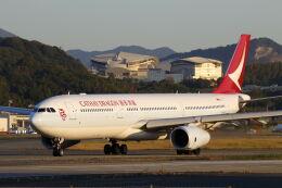 mocohide☆さんが、福岡空港で撮影したキャセイドラゴン A330-343Xの航空フォト(飛行機 写真・画像)