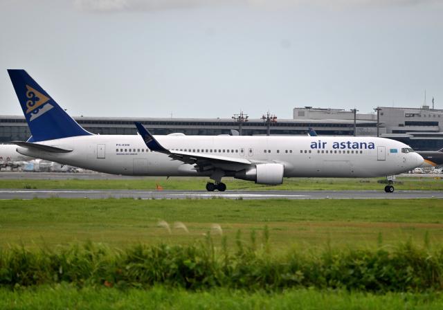 航空フォト:P4-KEB エア・アスタナ 767-300