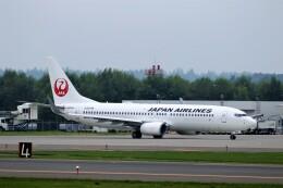 にしやんさんが、帯広空港で撮影した日本航空 737-846の航空フォト(飛行機 写真・画像)