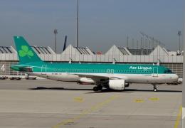 TA27さんが、ミュンヘン・フランツヨーゼフシュトラウス空港で撮影したエア・リンガス A320-214の航空フォト(飛行機 写真・画像)