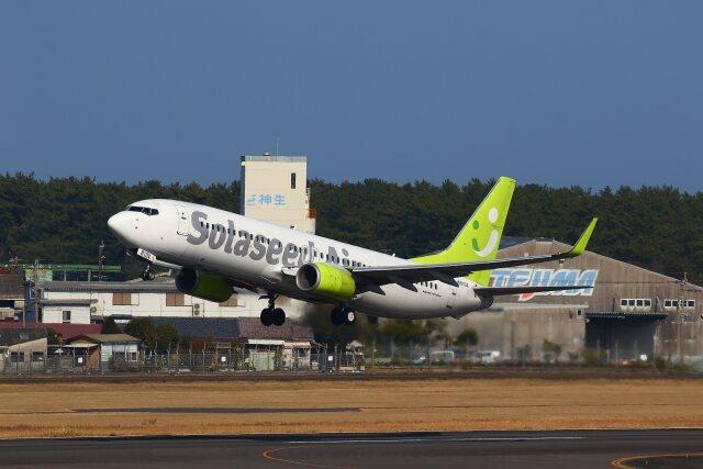 航空フォト:JA810X ソラシド エア 737-800