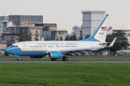 KANTO61さんが、横田基地で撮影したアメリカ空軍 C-40C BBJ (737-7CP)の航空フォト(飛行機 写真・画像)