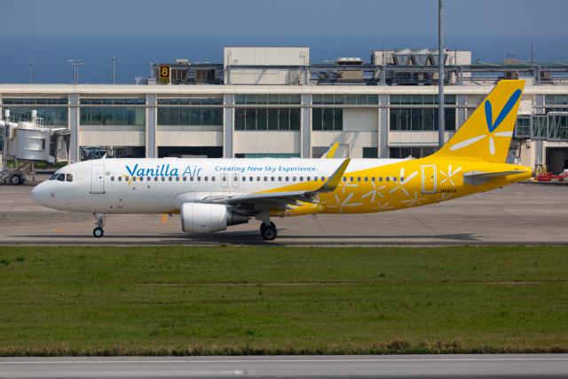 (新)ふぁんとむ改さんが、石垣空港で撮影したバニラエア A320-214の航空フォト(飛行機 写真・画像)