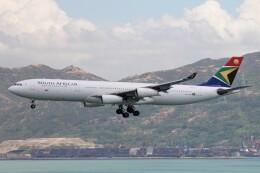 フッ軽の極美さんが、香港国際空港で撮影した南アフリカ航空 A340-313Xの航空フォト(飛行機 写真・画像)