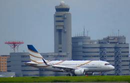 KAZKAZさんが、羽田空港で撮影したコムラックス・マルタ A319-115CJの航空フォト(飛行機 写真・画像)