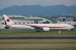 ふうちゃんさんが、名古屋飛行場で撮影した航空自衛隊 777-3SB/ERの航空フォト(飛行機 写真・画像)