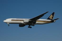 チャーリーマイクさんが、福岡空港で撮影したシンガポール航空 777-212/ERの航空フォト(飛行機 写真・画像)