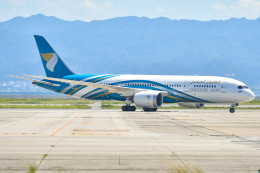 ROSENTHALさんが、関西国際空港で撮影したオマーン航空 787-8 Dreamlinerの航空フォト(飛行機 写真・画像)