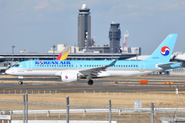 saoya_saodakeさんが、成田国際空港で撮影した大韓航空 A220-300 (BD-500-1A11)の航空フォト(飛行機 写真・画像)