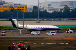 KAZKAZさんが、羽田空港で撮影したアメリカ企業所有 G650ER (G-VI)の航空フォト(飛行機 写真・画像)