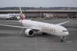 SKY☆101さんが、成田国際空港で撮影したエミレーツ航空 777-31H/ERの航空フォト(飛行機 写真・画像)