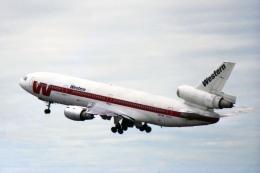 Gambardierさんが、シアトル タコマ国際空港で撮影したウェスタン航空 DC-10-10の航空フォト(飛行機 写真・画像)