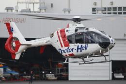 ゴンタさんが、東京ヘリポートで撮影した中日本航空 EC135P2+の航空フォト(飛行機 写真・画像)