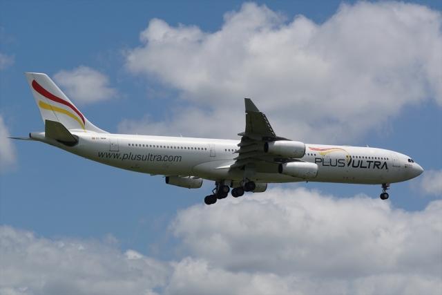 航空フォト:EC-MQM プルス・ウルトラ A340-300