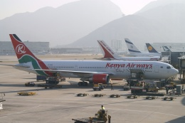 磐城さんが、香港国際空港で撮影したケニア航空 767-33A/ERの航空フォト(飛行機 写真・画像)
