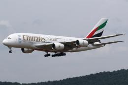 kinsanさんが、クアラルンプール国際空港で撮影したエミレーツ航空 A380-861の航空フォト(飛行機 写真・画像)
