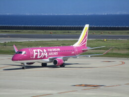 sakura saidaさんが、神戸空港で撮影したフジドリームエアラインズ ERJ-170-200 (ERJ-175STD)の航空フォト(飛行機 写真・画像)