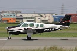 Hii82さんが、八尾空港で撮影した日本法人所有 A36 Bonanza 36の航空フォト(飛行機 写真・画像)