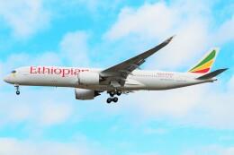 ちっとろむさんが、ロンドン・ヒースロー空港で撮影したエチオピア航空 A350-941の航空フォト(飛行機 写真・画像)