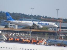 ななけーさんが、フランクフルト国際空港で撮影したエア・ヨーロッパ ERJ-190-200 LR (ERJ-195LR)の航空フォト(飛行機 写真・画像)