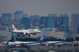 ゆーすきんさんが、羽田空港で撮影したジェイエア ERJ-190-100(ERJ-190STD)の航空フォト(飛行機 写真・画像)