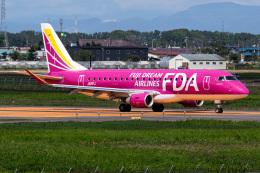 Snowman☃️さんが、札幌飛行場で撮影したフジドリームエアラインズ ERJ-170-200 (ERJ-175STD)の航空フォト(飛行機 写真・画像)