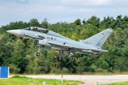 gomaさんが、インゴルシュタット・マンヒング空港で撮影したドイツ空軍 EF-2000 Typhoon Tの航空フォト(飛行機 写真・画像)